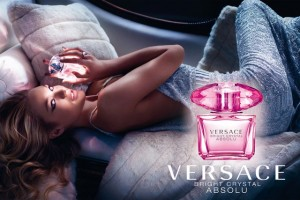 Candice Swanepoel и новия парфюм Versace Bright Crystal Absolu