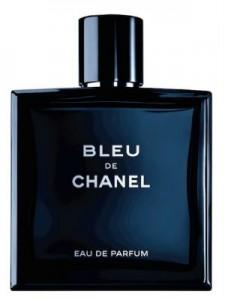 Емблематичният флакон на Bleu de Chanel